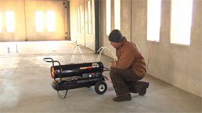 Using the 190,000 BTU Kerosene Forced Air Portable Heater.